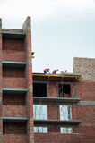 Chantier de construction avec des grues Images libres de droits