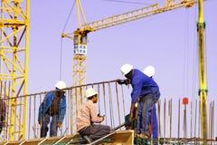 Chantier de construction avec l'ouvrier Images libres de droits
