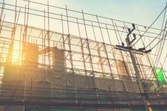 Chantier de construction avec la grue Photo stock