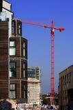 Chantier de construction avec les constructions neuves photographie stock libre de droits
