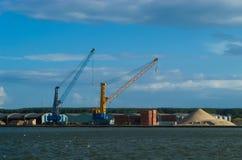 Chantier de construction dans le port Images stock