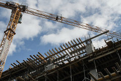 Chantier de construction dans un nouveau secteur de bureau Photos stock