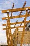 Chantier de construction de toit de mail de bande photos stock