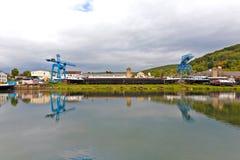 Chantier de construction navale sur la canalisation de rivière Images libres de droits