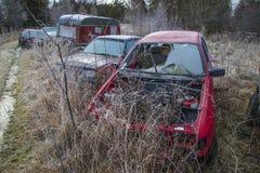 Chantier de ferraille pour des véhicules (véhicule d'épaves) Images libres de droits