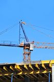 Chantier de grue et de construction Images stock