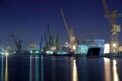 Chantier naval de Danzig la nuit Photographie stock libre de droits