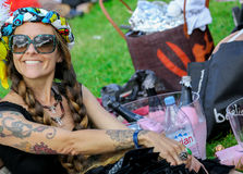 CHANTILLY - 15 ΙΟΥΝΊΟΥ: Τρόπος ζωής Prix de Diane racecourse, κοντά στο Παρίσι στις 15 Ιουνίου 2014, Γαλλία Στοκ εικόνα με δικαίωμα ελεύθερης χρήσης