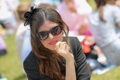 CHANTILLY - 15 ΙΟΥΝΊΟΥ: Τρόπος ζωής Prix de Diane racecourse, κοντά στο Παρίσι στις 15 Ιουνίου 2014, Γαλλία Στοκ Φωτογραφίες