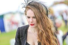 CHANTILLY - 15-ОЕ ИЮНЯ: Образ жизни на Prix de Диане в ипподроме, около Парижа 15-ого июня 2014, Франция Стоковые Изображения