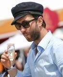 CHANTILLY - 15. JUNI: Lebensstil bei Prix de Diane in der Rennstrecke, nahe Paris am 15. Juni 2014, Frankreich Stockfotografie