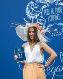 CHANTILLY - JUNI 15: Livsstil på Prix de Diane i racerbana, nära Paris på Juni 15, 2014, Frankrike Fotografering för Bildbyråer