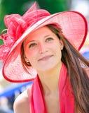 CHANTILLY - JUNI 15: Livsstil på Prix de Diane i racerbana, nära Paris på Juni 15, 2014, Frankrike Arkivfoto