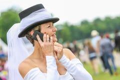 CHANTILLY - JUNI 15: Livsstil på Prix de Diane i racerbana, nära Paris på Juni 15, 2014, Frankrike Royaltyfria Bilder
