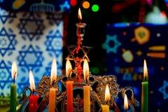 Chanukah犹太教灯台Chanukiah犹太假日背景 免版税库存图片