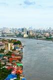 Chao Phraya flodBangkok cityscape Thailand Arkivfoton