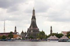 Chao Phraya Fluss während der falschsten Überschwemmung stockfotografie