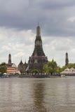 Chao Phraya Fluss während der falschsten Überschwemmung lizenzfreie stockfotos