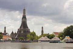 Chao Phraya Fluss während der falschsten Überschwemmung lizenzfreies stockfoto