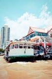 Chao Phraya River, boat and houses in Bangkok Stock Photography