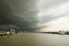 Chao Phraya River and nimbus o Royalty Free Stock Images