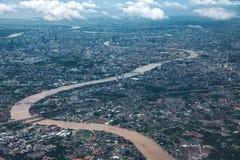 Chaopraya Fluss- und Bangkok-Stadt Lizenzfreie Stockfotografie