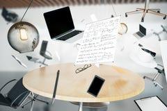 Chaos im Büro mit Flugobjekten und Einrichtungsgegenständen stockfoto