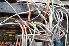 Chaos van draden en contacten Stock Foto's