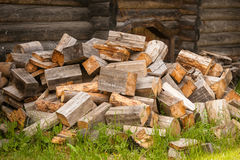 Chaotic pile of firewood logs lying Royalty Free Stock Photography