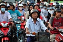 Chaotically scouter ruch drogowy w Ho Chi Minh mieście, Wietnam Zdjęcie Royalty Free