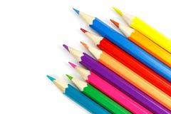 Chaotisch gesetzte hölzerne Farbe zeichnet auf einem weißen Hintergrund, Draufsicht an Lizenzfreies Stockbild