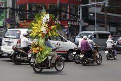 Chaotisch verkeer in Saigon, Vietnam Stock Foto