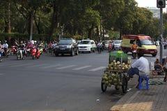 Chaotisch verkeer in Saigon, Vietnam Stock Foto's