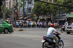 Chaotyczny ruch drogowy w Saigon, Wietnam Obraz Royalty Free