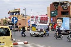 Chaotyczny transport przez ulic Marrakech Obraz Royalty Free