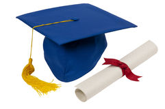Chapéu azul da graduação com diploma fotos de stock