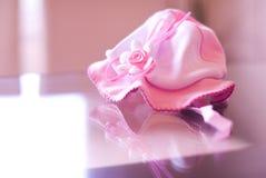 Chapéu cor-de-rosa do bebê Fotos de Stock