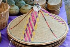 Chapéu de bambu dos produtos imagem de stock royalty free