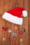 Chapéu de bolas de Papai Noel e de Natal Fotografia de Stock