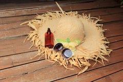 Chapéu de palha, vidros de Sun Imagens de Stock