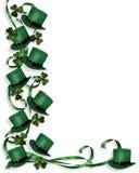 Chapéus e Shamrocks do dia do St Patrick Fotografia de Stock Royalty Free