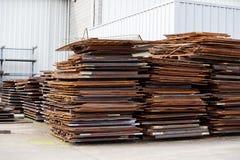 Chapa metálica crua na indústria da construção da fabricação Foto de Stock