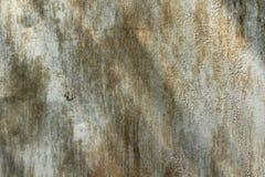 Chapa metálica pintada com traços de corrosão foto de stock royalty free