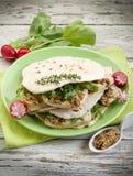 Chapati com arugula do tofu fotos de stock royalty free