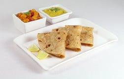Chapati Indiański Płaski chleb z Dal i Chana Dal Masala jako Boczni naczynia Zdjęcia Stock