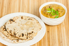 Free Chapati With Indian Mutton Curry Royalty Free Stock Photography - 35665737