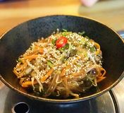 Chapchae - Fried Korean Vermicelli/Glasnudeln/Süßkartoffelnudeln Stockbild