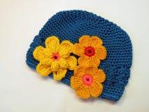 Chapeau bleu de filles Photo stock