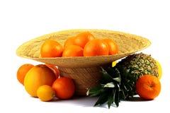Chapeau complètement des oranges photo libre de droits
