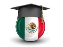 Chapeau d'obtention du diplôme et drapeau mexicain Photographie stock